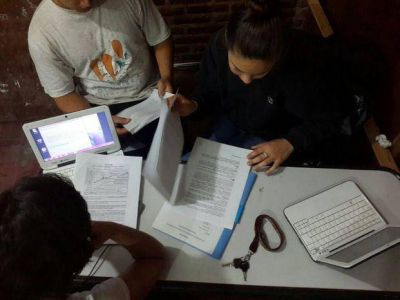 Alumnos crean un programa para alertar sobre la radiación del Wifi