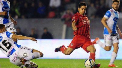 Independiente venció a Rafaela y extendió su gran momento