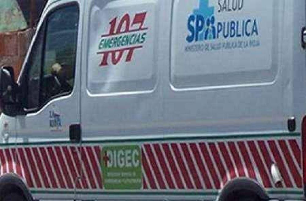 Empleado municipal resultó herido por la caída de un contenedor easy