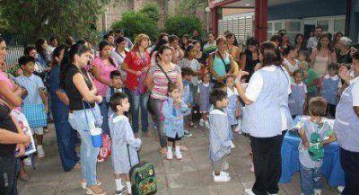 Poco más de 200 mil escolares regresan a las aulas
