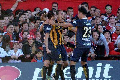 Rosario Central lo hizo de nuevo: venció a Newell's y suma siete clásicos sin perder