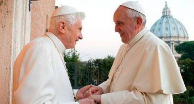 """Guillermo Karcher, estrecho colaborador de Francisco, afirma que el papa """"hace medias vacaciones a su estilo"""""""