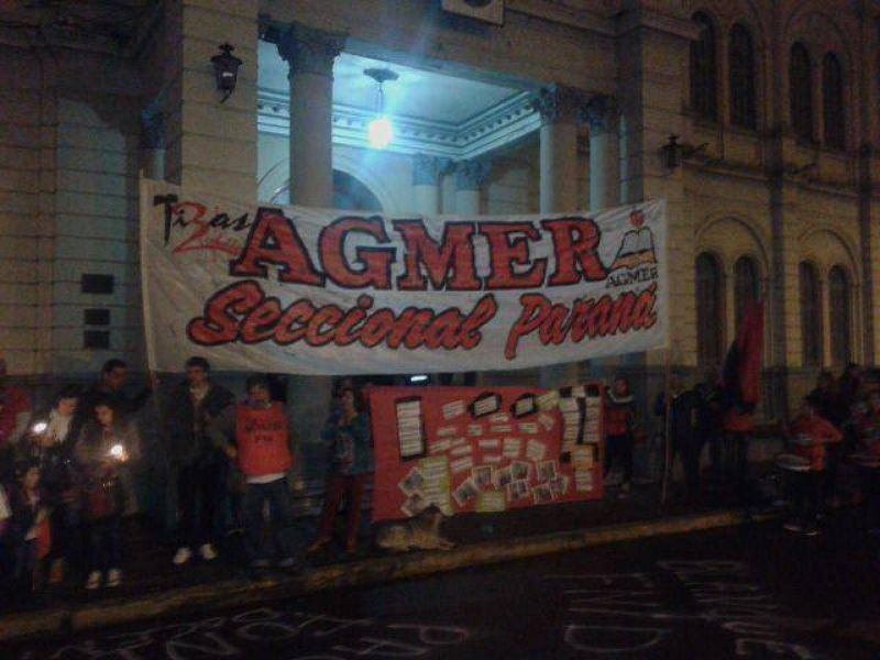 Docentes de Nogoyá, Tala, Villaguay, Cerrito y Paraná se movilizaron a Casa de Gobierno