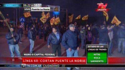 Tensión en Panamericana: la Gendarmería se enfrenta a los choferes de la línea 60