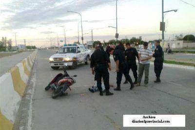 Av. Lugones: Trágico accidente entre colectivo y moto