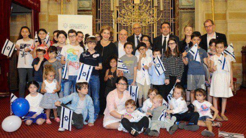 Nuevo grupo de 200 judíos franceses de origen árabe -100 de ellos niños- arriban a Israel