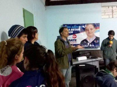 El massismo ofreció radio abierta a jóvenes en Bellocq
