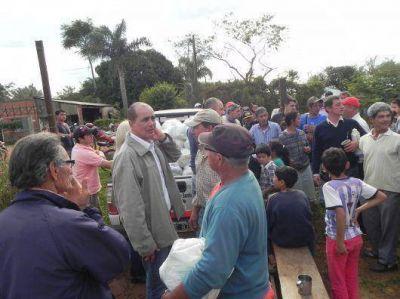 Santo Tomé: Se entregaron módulos alimentarios a 200 familias de oleros y pescadores