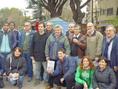 De Gennaro recorrió Vicente López con Walter Rojas y Víctor Freire