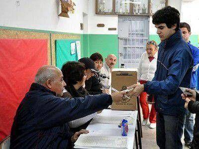 """Emiten una medida cautelar que impediría el """"voto jóven"""" en las elecciones provinciales"""