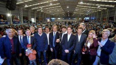 Scioli y Bossio, con 5.000 jubilados en Florencio Varela