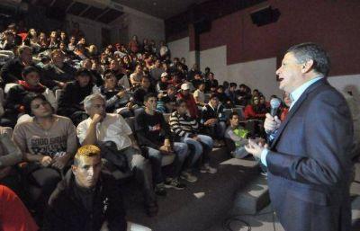Peppo presenta su plan para potenciar el sector empresario