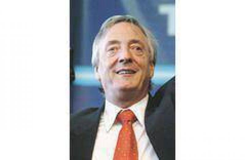Kirchner reaparece en el conurbano para medir lealtades