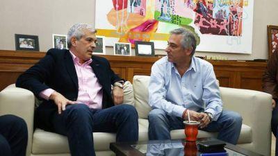 Domínguez, de campaña con un ex massista y contra la candidata del PRO