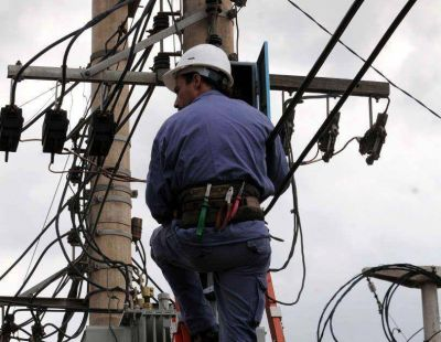 Luz: amplían cautelar contra suba de tarifas retroactiva a 2013
