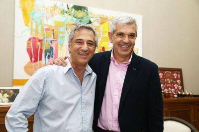 Julián Domínguez recorrió Olavarría y se reunió con Eseverri y Santellán