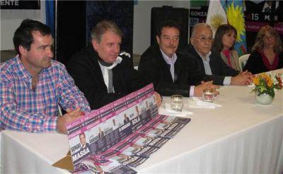 Romero presentó su lista con apoyo seccional