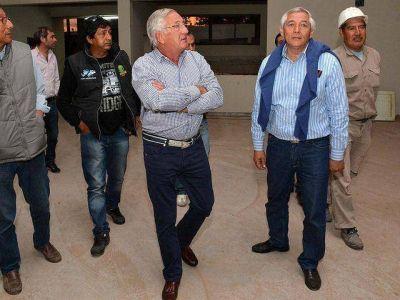 Fellner se comprometió a reactivar la construcción de una escuela en Perico