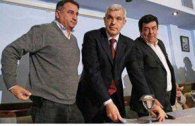 """Domínguez, """"dolido"""" con su rival interno, pidió """"no entrar en el juego de la oposición"""""""