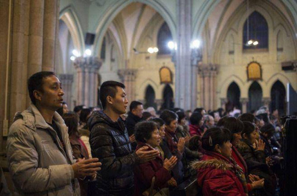 China: cristianos denuncian una campaña de destrucción de cruces