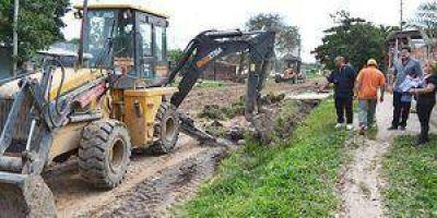 Arreglo de calles y limpieza de los desagües en el San Cayetano