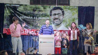 Hernán Sabbatella y Lucas Ghi junto a más de 1.000 vecinos