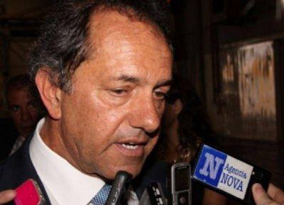 Scioli plantó a Domínguez en La Plata y prefirió mostrarse con famosos en Capital