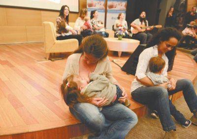 Leche materna: muy pocos saben que se recomienda hasta los dos años