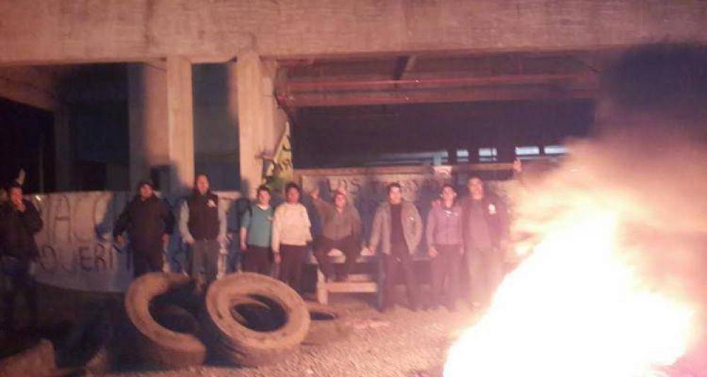 Sigue la protesta de los trabajadores de Uocra en el San Julián