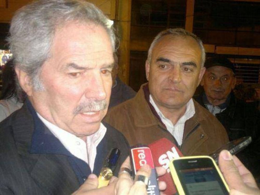 "Felipe Solá visitó Berisso: ""El bonaerense me volverá a elegir"""