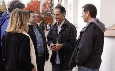 Wisky cierra su campaña en Roca simultáneamente al cierre nacional del PRO