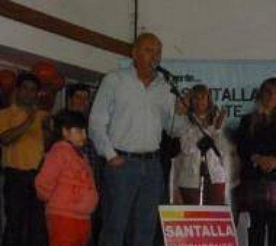 Santalla cerró su campaña con clima festivo en Ramallo