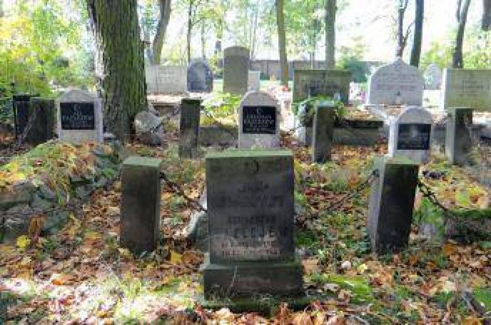 Profanaron cementerio islámico en Rusia