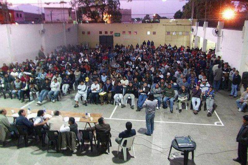 Micheli apoya reclamos de trabajadores de Ledesma