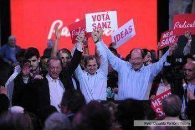 Sanz criticó al gobierno y también a Macri