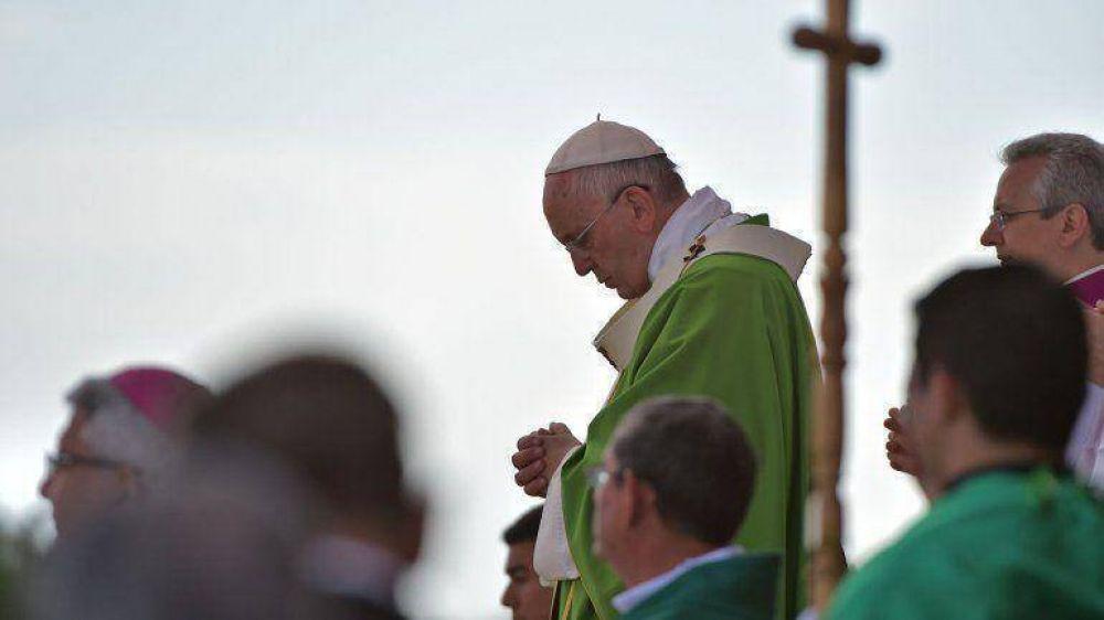 El papa Francisco designó a un nuevo médico personal