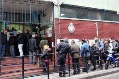Más de 2 millones y medio de porteños elegirán candidatos a 12 bancas de diputados y representantes al Parlasur