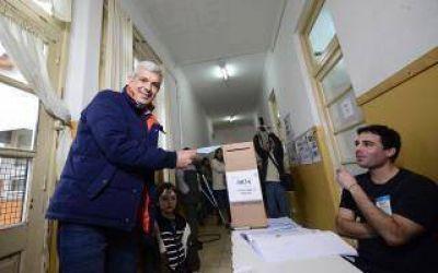 Votó Domínguez y dijo que quien gané la interna tiene