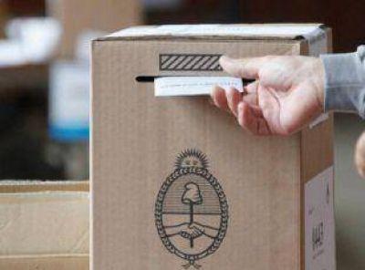 Lenta asistencia de votantes en Junín