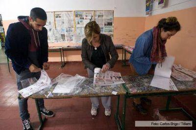Las PASO se desarrollan con normalidad en todo el pa�s y ya votaron los principales candidatos