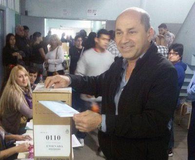 """Mario Secco: """"Hoy es un día en el que se hace patria votando"""""""