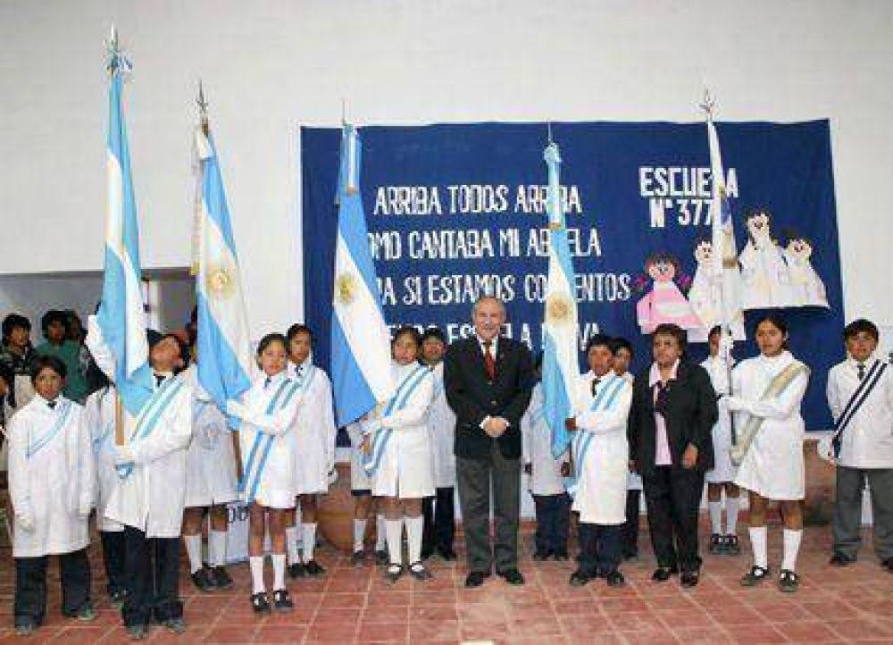 Inauguró escuela en Tumbaya El gobernador Walter Barrionuevo