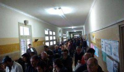 La lluvia y el mal tiempo demora la asistencia a votar y en Junín