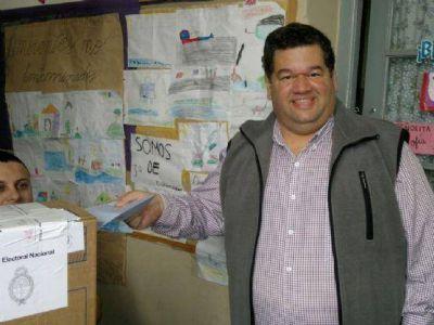 """Jorge Nedela emitió su voto: """"Van 32 años de continuidad democrática, algo inédito"""""""