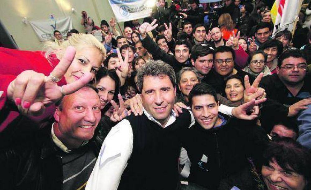Ayer, Compromiso Federal se alzó con la victoria en los cinco departamentos de la provincia donde se eligieron senadores provinciales y en los cuatro en los que se eligieron diputados.