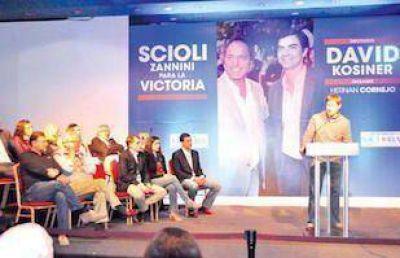 David gan� las PASO, agradeci� a los votantes y Urtubey dedic� el triunfo a Scioli