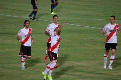 Con goles de Sánchez y Mercado, River gana en Japón y se queda con la Suruga Bank