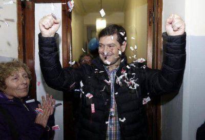 Claudio Molina es el ganador de las PASO 2015 en todo el Partido de Azul