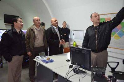 Rainone recorri� las instalaciones del CeCOM