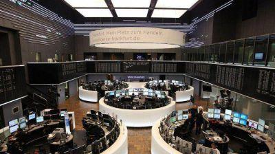La segunda devaluación del yuan chino arrastró a las principales bolsas europeas